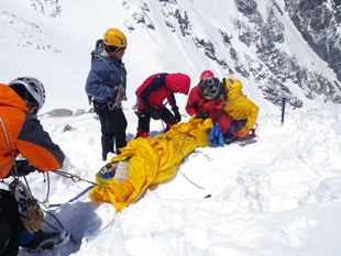 Rescue training session for university students